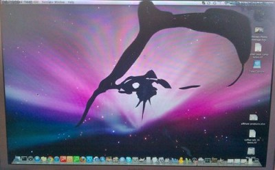 macbook laptop cracked screen